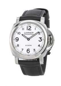 The 44 mm replica Panerai Luminor PAM00561 watches have white dials.