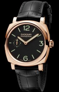 The comfortable Panerai Radiomir 1940 PAM00575 watches have black alligator leather straps.