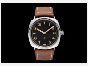 The 47 mm replica Panerai Radiomir California PAM00424 watches have black dials with luminant details.