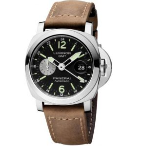 The sturdy copy Panerai Luminor PAM01088 watches are made from stainless steel.