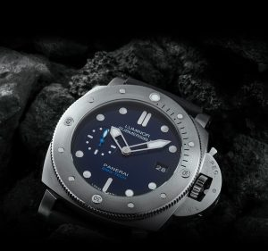 The water resistant replica Panerai Luminor Submersible 1950 BMG-TECH™ PAM0069 watches are designed for divers.