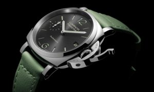 The 38 mm fake Panerai Luminor Due PAM00755 watches have carbonarius dials.