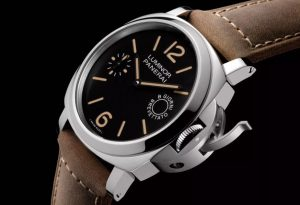 The durable watches copy Luminor Marina PAM00590 can guarantee water resistance to 30 bars.
