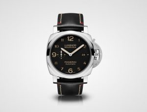 The 44 mm replica Panerai Luminor Marina 1950 PAM00910 watches have black dials.