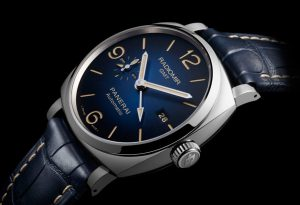 The limited replica Panerai Radiomir 1940 PAM00945 watches have blue dials.