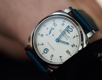 Unlike the Luminor before, the new Luminor Due is suitable for men who have thin wrists.