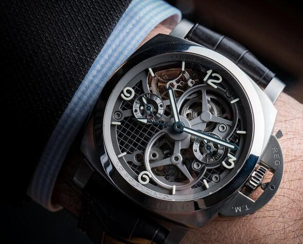 The timepiece exudes a strong technological temperament.