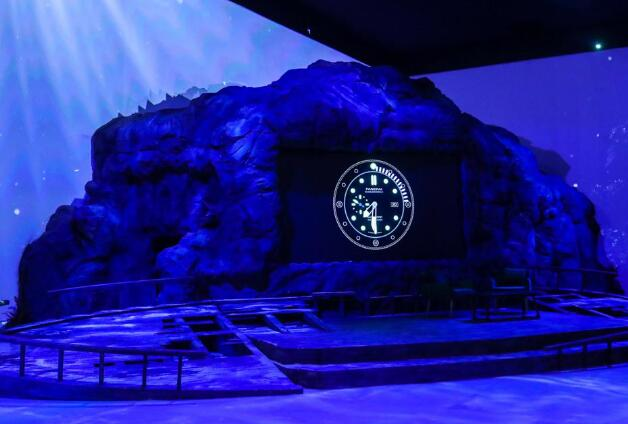 Panerai held an exhibition to let the watch lovers enjoy the beauty of the ocean.