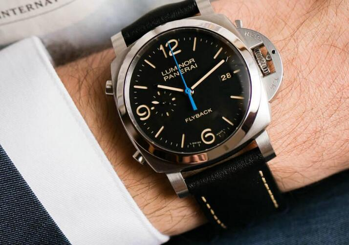 The Panerai Luminor 1950 provides the great readability.