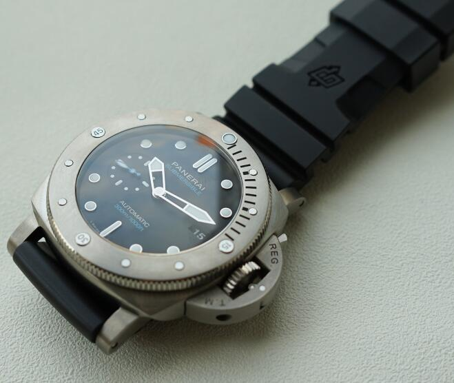 The Swiss copy Panerai is professional diving watch.