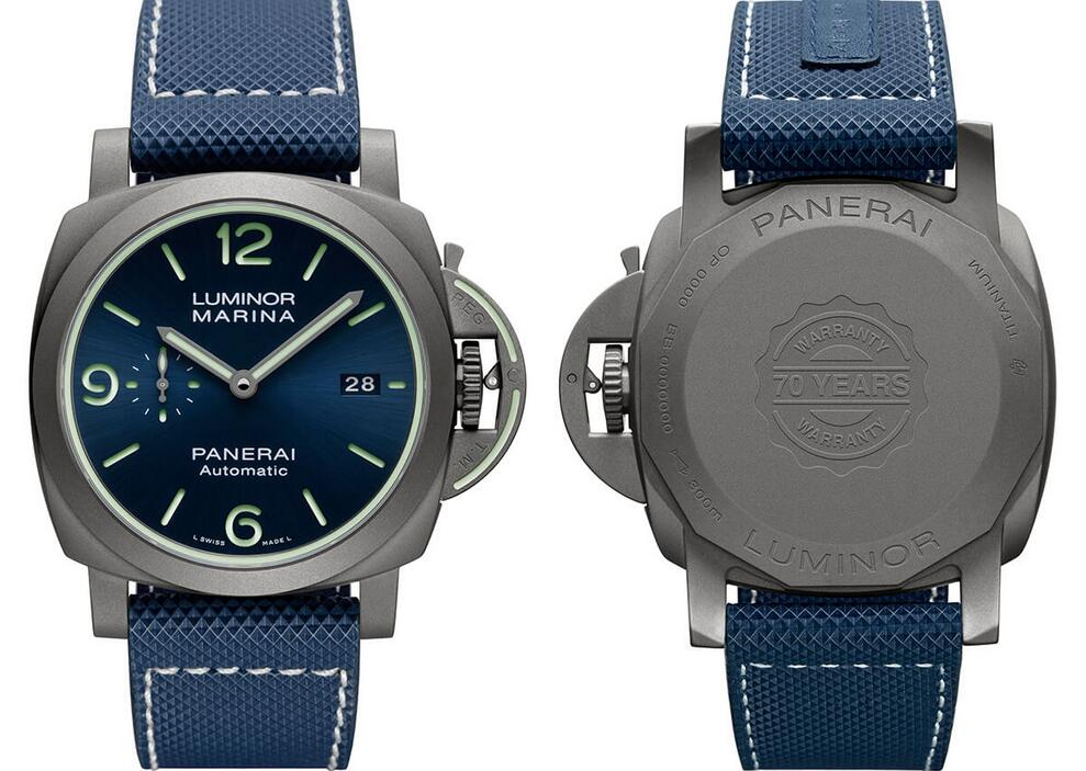 Cheap fake watches are decorated with fashionable blue color.