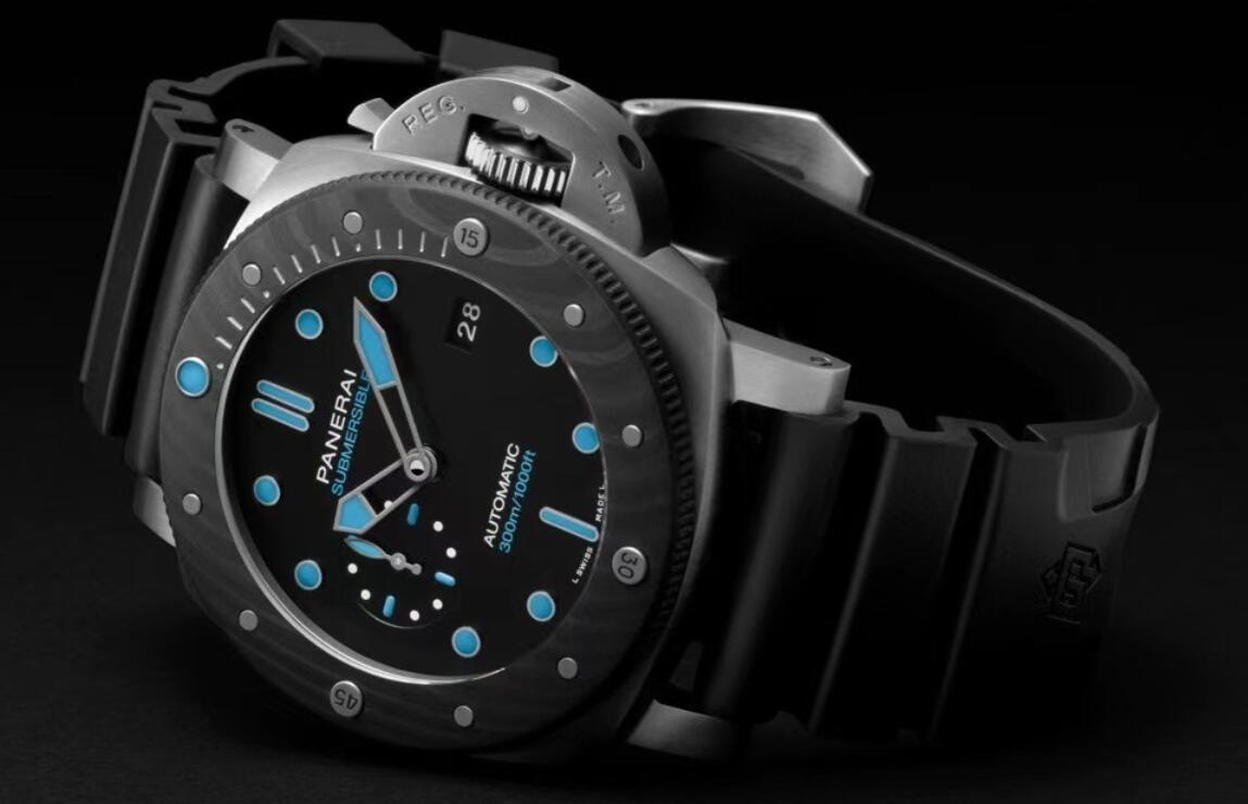 AAA replica watches seem attractive with blue coating.