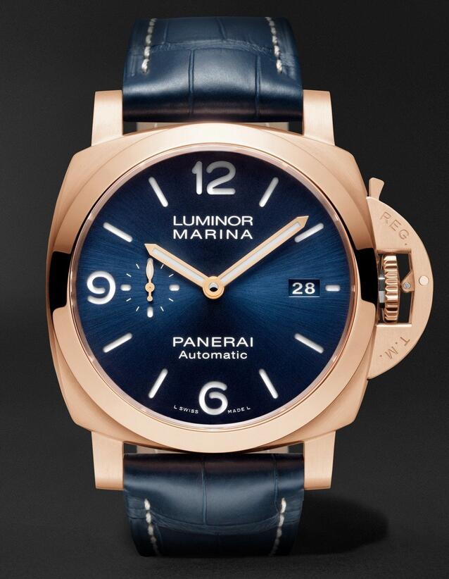 Male fake watches are showy with blue color.
